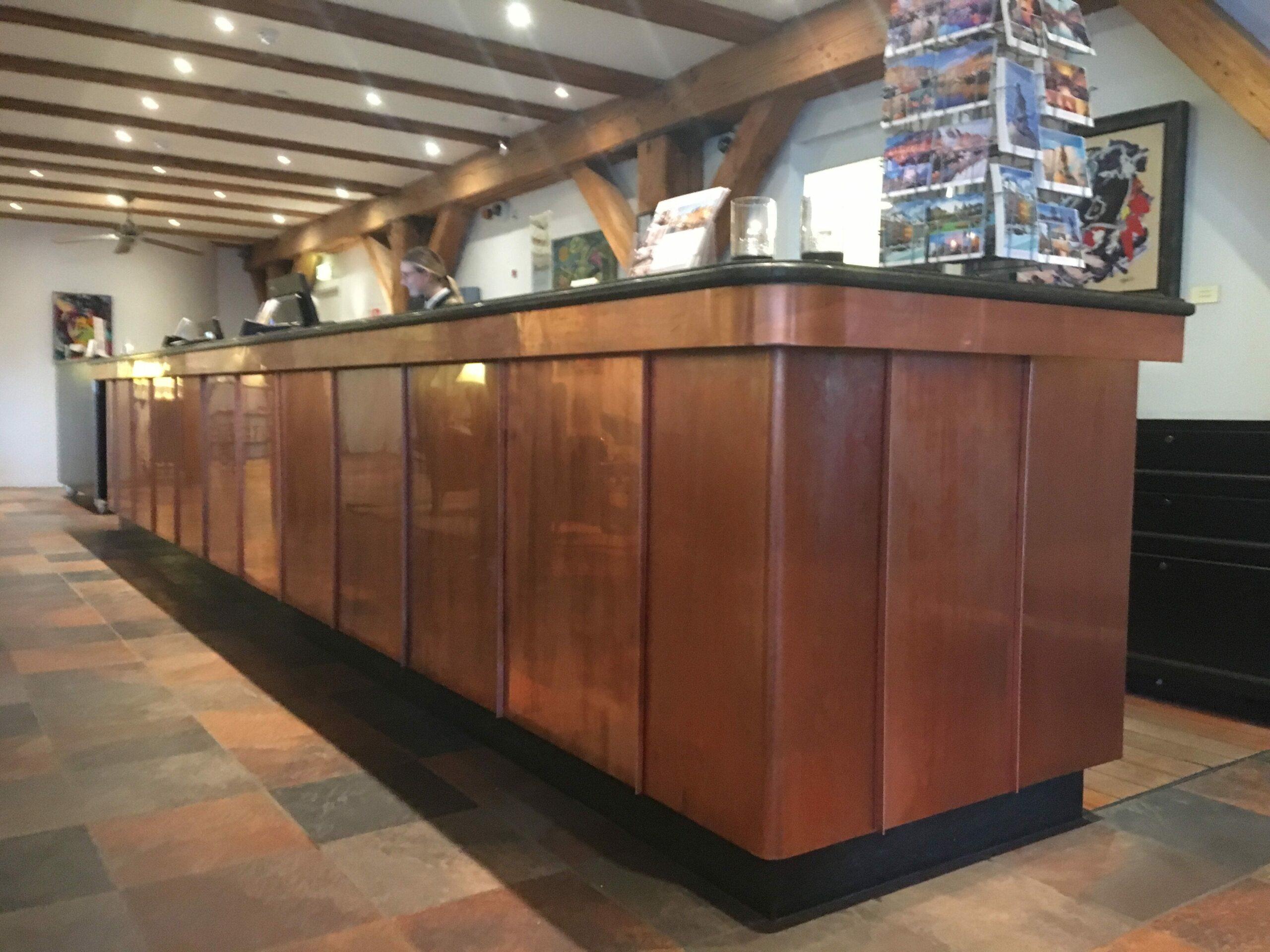 Reception desk tailor-made copper solution