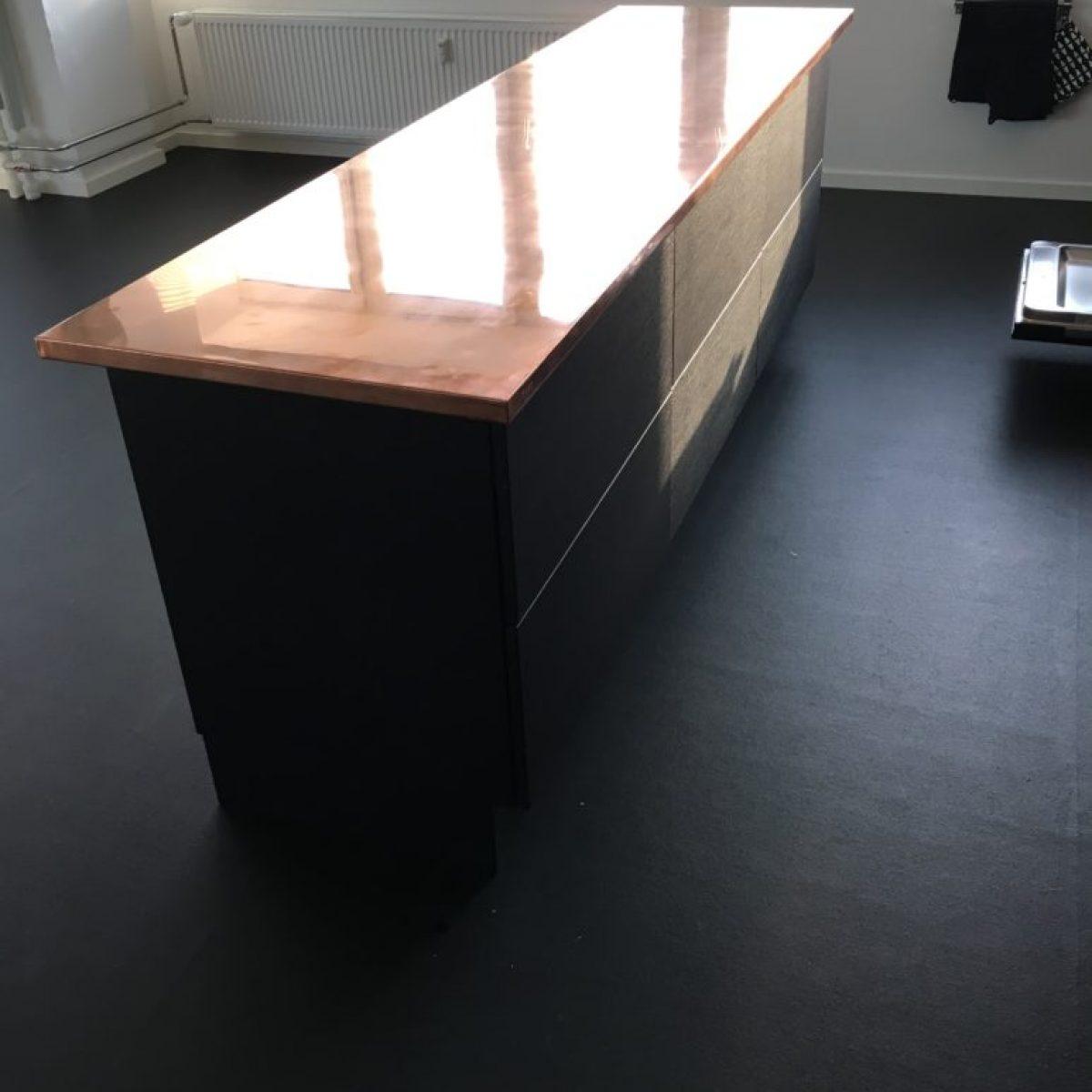 Desk - V2Cb